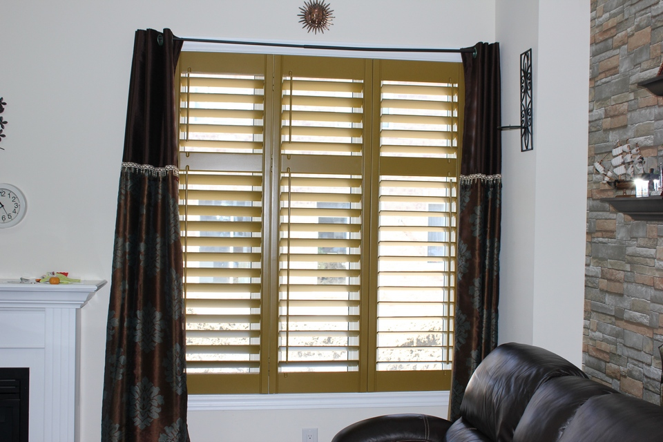 custom colours pc shutters in canada